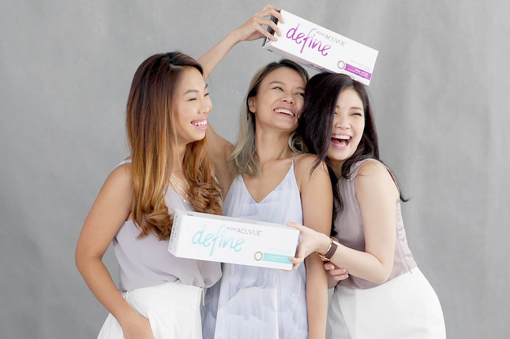 Three female friends laughing and smiling, ACUVUE DEFINE contact lenses, Singapore